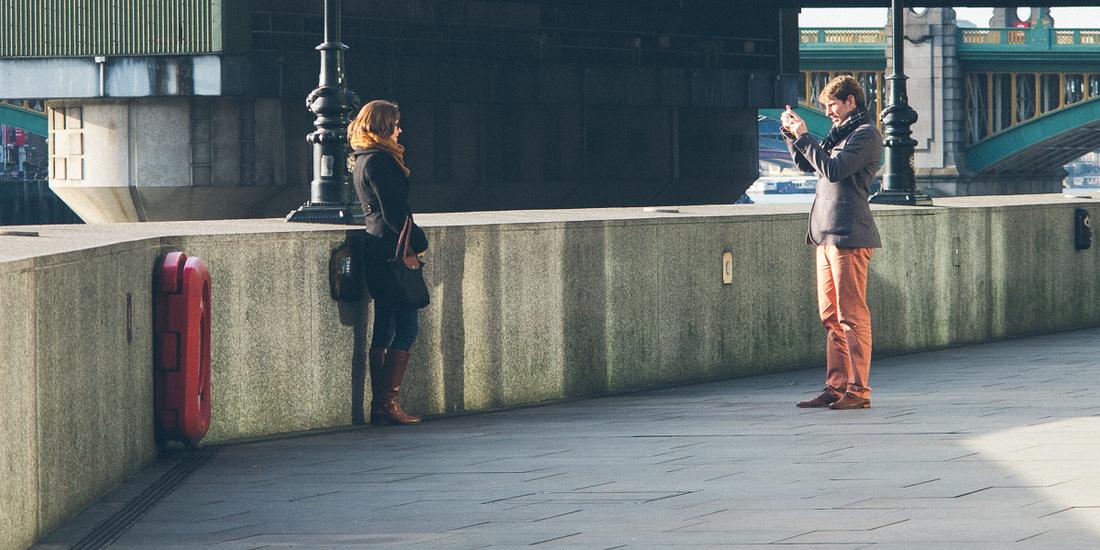 london thames river couple photography