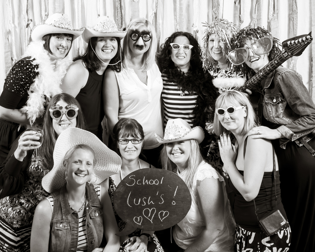 Jo Black & White party, Photobooth - A Visual Guestbook,